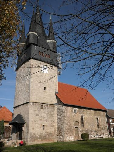 Kirche-Treba-alt